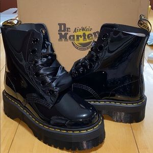 AUTH NIB DR MARTENS MOLLY PATENT LACE-UP BOOTS